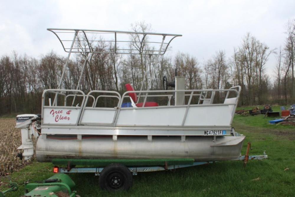 Homemade pontoon with 9 9 Johnson 2 stroke motor
