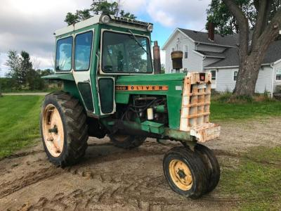 Oliver 1600 Tractor