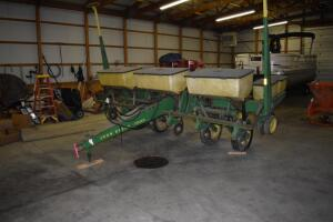 John Deere 7000 6-row corn planter