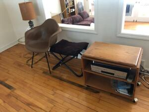 Wooden entertainment Stand, VHS/CD Player, Table and Lamp, 2 chairs