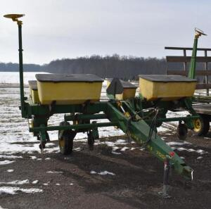 John Deere 7000 4-Row Corn Planter- Dry Fertilizer and Incecticide Box