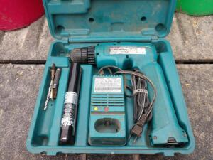 Makita Cordless Drill with Battery and Charger