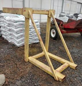 Seed Tote Hoist Attachment