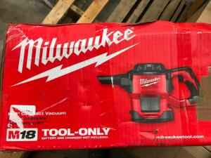 Milwaukee Compact Vacuum