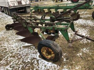 John Deere 4 bottom trailer plow with colters