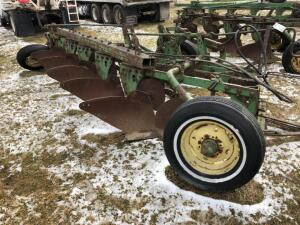 John Deere 5 bottom Plow with colters