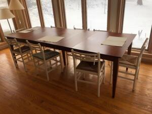 Dining Room Table, 4 leaves and 8 Chairs
