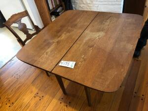 Kitchen Table, 2 leaves and Chair