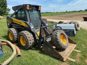 2006 New Holland Skid Steer L170