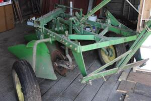 John Deere 3 bottom plow with trip edges