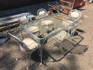 Woodard Patio Table with Glass Top and 5 Chairs