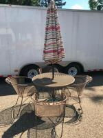 Woodard Round Patio Table with 4 Chairs and umbrella