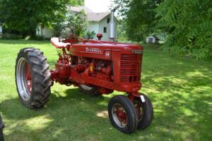 Farmall M narrow