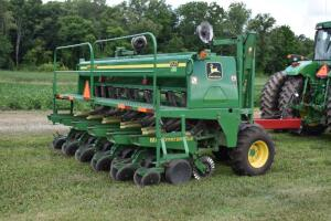 John Deere 1535 Max Emerge Plus Grain Drill with Unverferth 3pt. Caddy Cart and Monitor