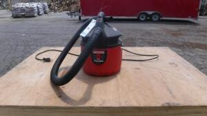 CRAFTSMAN 2 GALLON PORTABLE WET/DRY VACCUM
