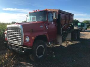 1979 Ford 800 Custom Cab Straight Truck