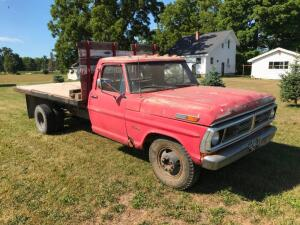 1970 Ford 350 Flatbed Truck with Hoist