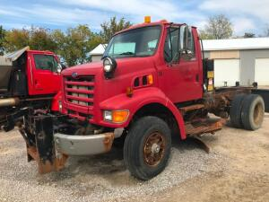 1997 Ford L8501 Cab Chasis Truck