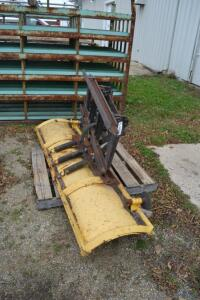 snow plow with quick attach plate, hydraulic