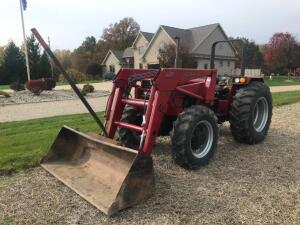 1987 Case IH 685 Tractor with Case IH 2255 Front End Loader