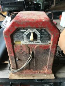 Lincoln Electric AC 225 AMP Linc welder