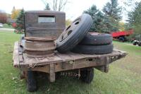 1932 or 1933 Model BB Ford with hand crank dump bed - 12