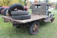 1932 or 1933 Model BB Ford with hand crank dump bed - 14