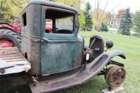1932 or 1933 Model BB Ford with hand crank dump bed - 18
