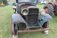 1932 or 1933 Model BB Ford with hand crank dump bed - 22