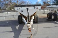 Willmar tandem axle fertilizer spreader - 2