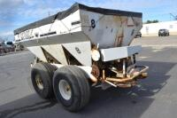 Willmar tandem axle fertilizer spreader - 4