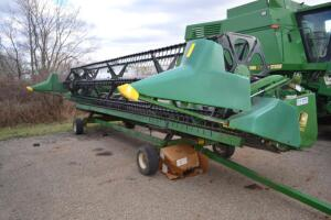 John Deere 925 grain table