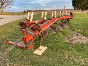 IH 5 Bottom Plow