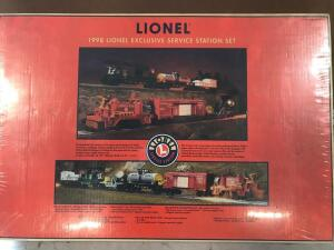 Lionel 1998 Exclusive Service Station Set