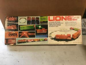 027 Gauge Electric Train Set