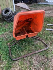 Sioux Mineral Feeder, frame needs repair