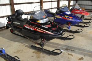 Polaris Touring 600 snowmobile