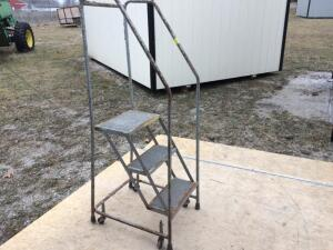 3-Step Rolling Ladder/Stairs