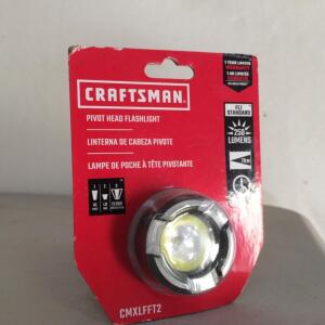 NEW Craftsman Pivot Head Flashlight 250 Lumens (3 Hour Run Time)