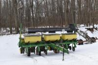 John Deere 7200 6 row corn planter - 2