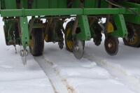 John Deere 7200 6 row corn planter - 4