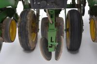 John Deere 7200 6 row corn planter - 9