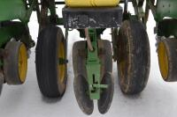 John Deere 7200 6 row corn planter - 10