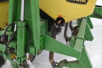 John Deere 7200 6 row corn planter - 12