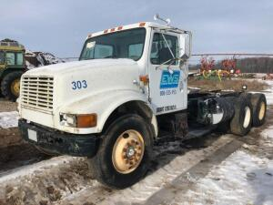 1999 International 4900 Truck, VIN # 1HTSDAAN7XH658796