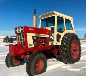 1973 IH 1066 Tractor