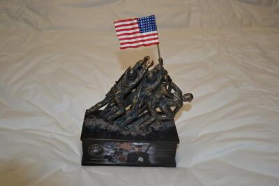 USMC Iwo Jima Memorial sculpture