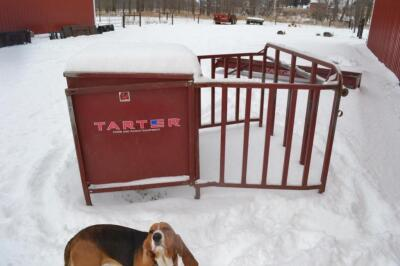 Tarter creep feeder
