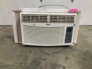 Window Air Conditioner with Remote - Works