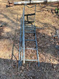 Tree Stand Seat with Ladder